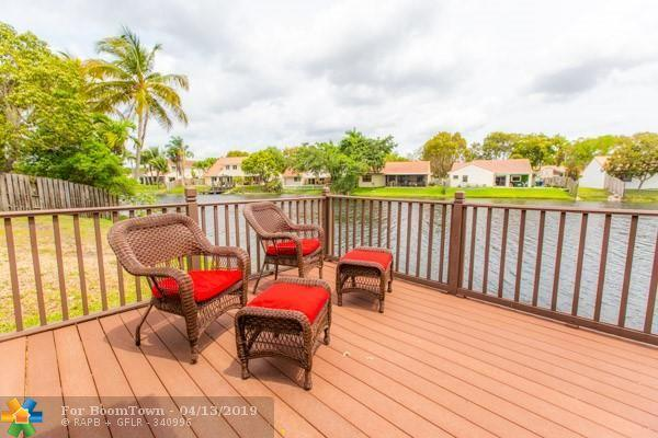 2905 Begonia Way, Cooper City, FL 33026 (MLS #F10170504) :: Green Realty Properties