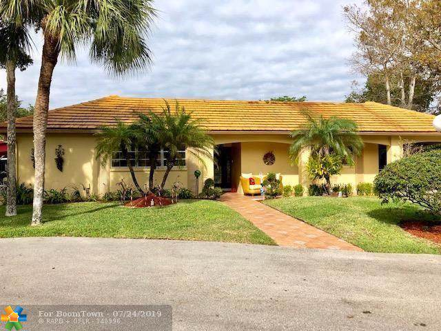 1019 E Cypress Dr, Pompano Beach, FL 33069 (MLS #F10186067) :: The Paiz Group