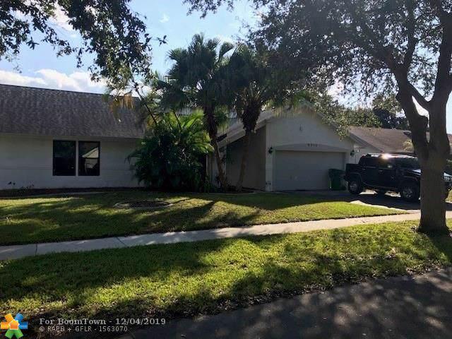 8310 NW 51st Ct, Lauderhill, FL 33351 (MLS #F10204388) :: Green Realty Properties