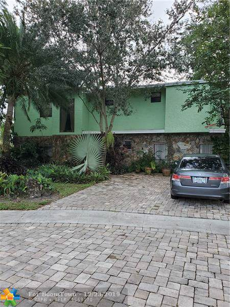 10164 SW 52nd St, Cooper City, FL 33328 (MLS #F10208187) :: Green Realty Properties