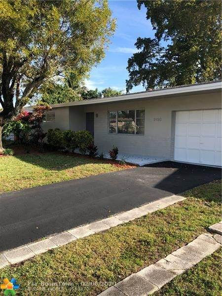 8450 NW 28th St, Sunrise, FL 33322 (MLS #F10215015) :: Green Realty Properties
