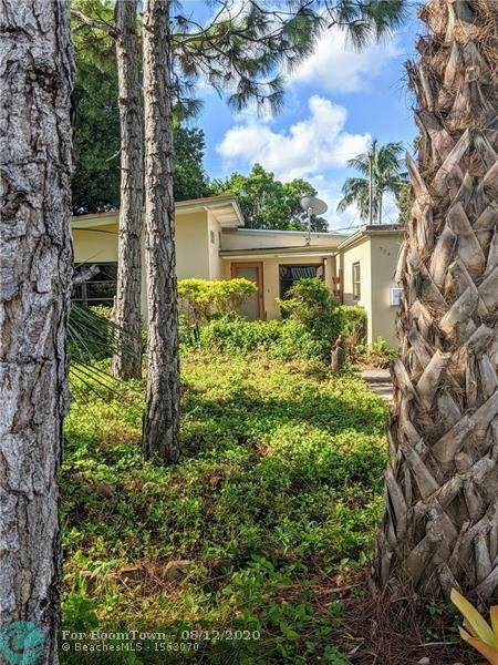 704 SW 10th St, Fort Lauderdale, FL 33315 (MLS #F10242936) :: Berkshire Hathaway HomeServices EWM Realty