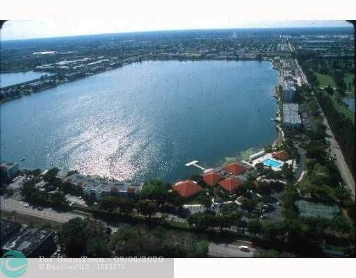 110 Lake Emerald Dr #402, Oakland Park, FL 33309 (#F10247057) :: Ryan Jennings Group
