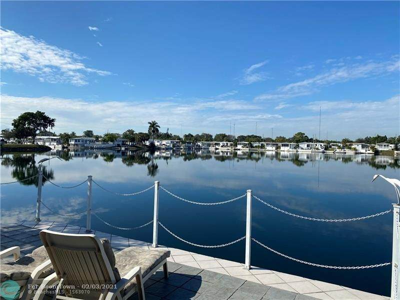 104 Lake Shore Dr - Photo 1