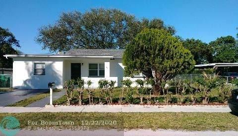 142 W 34th St, Riviera Beach, FL 33404 (MLS #F10262451) :: Berkshire Hathaway HomeServices EWM Realty