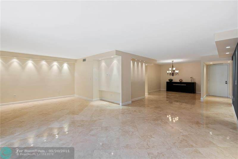 2804 46th Ave - Photo 1