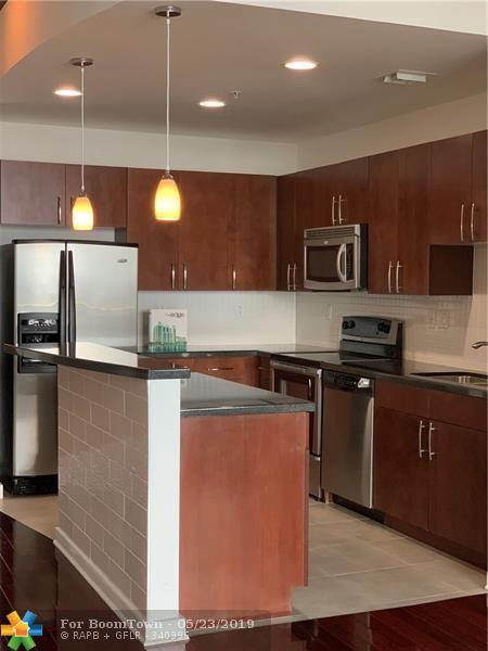 300 S Australian Ave #1115, West Palm Beach, FL 33401 (MLS #F10173923) :: Green Realty Properties