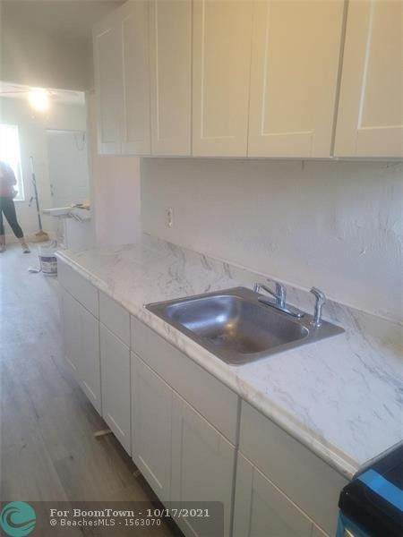 613 27th Ave - Photo 1
