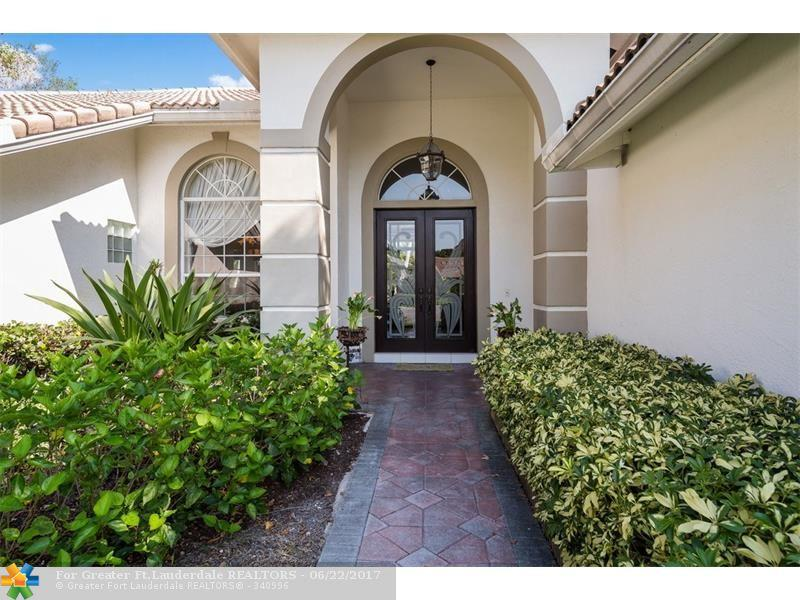 10002 NW 60th Ct, Parkland, FL 33076 (MLS #F10021704) :: United Realty Group