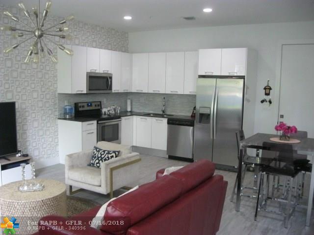 480 NE 35th Ct #4, Oakland Park, FL 33334 (MLS #F10118914) :: Green Realty Properties
