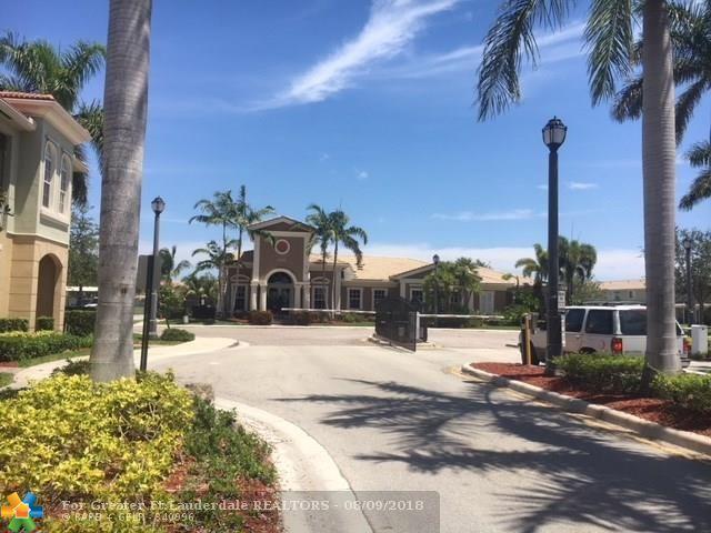 5861 Hampton Hills Blvd #5861, Tamarac, FL 33321 (MLS #F10126900) :: Green Realty Properties