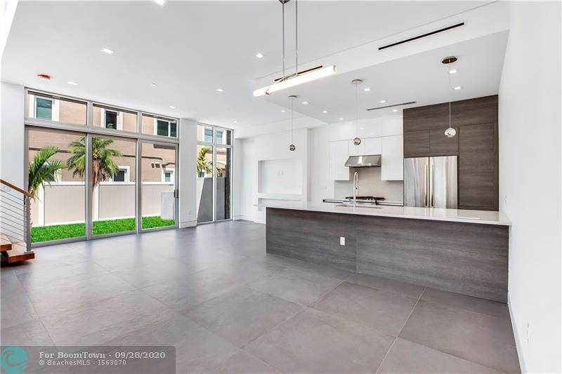 604 8th Ave. - Photo 1