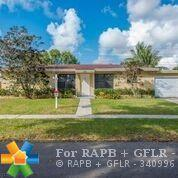 995 SW 51 Avenue, Plantation, FL 33317 (MLS #F10142374) :: Green Realty Properties