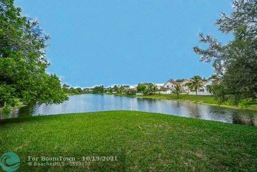 6879 NW 27th Ct, Margate, FL 33063 (MLS #F10290555) :: Castelli Real Estate Services