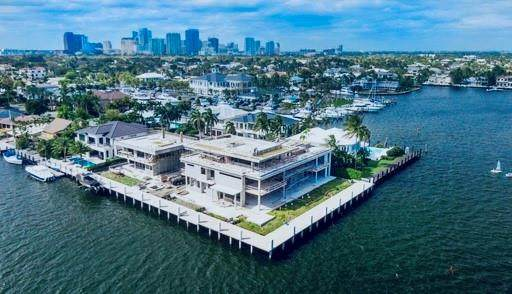 1712 SE 12th Ct, Fort Lauderdale, FL 33316 (MLS #F10226218) :: The Howland Group