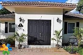 1713 NE 4th St, Pompano Beach, FL 33060 (MLS #F10140309) :: Green Realty Properties