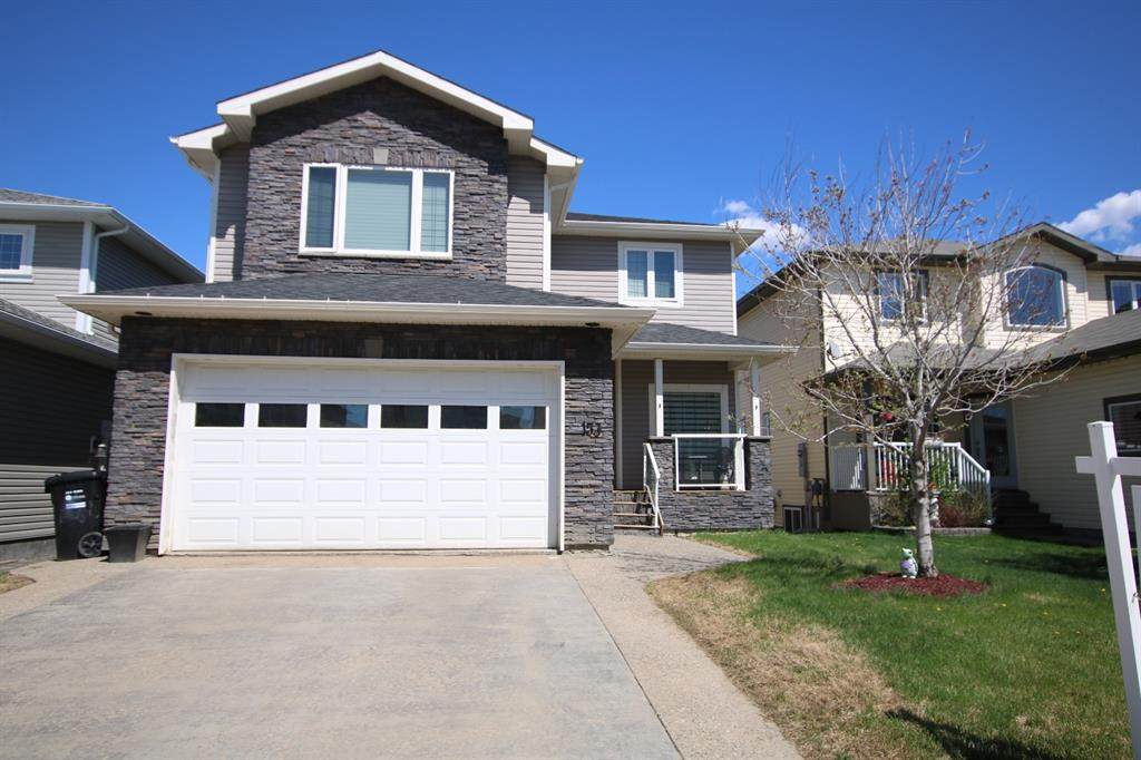 153 Fireweed Crescent - Photo 1