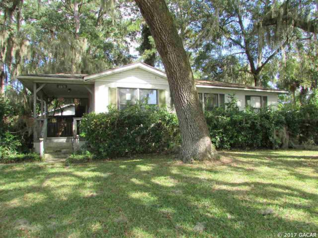 1075 SW Castle Heights Terrace, Lake City, FL 32025 (MLS #409728) :: Thomas Group Realty
