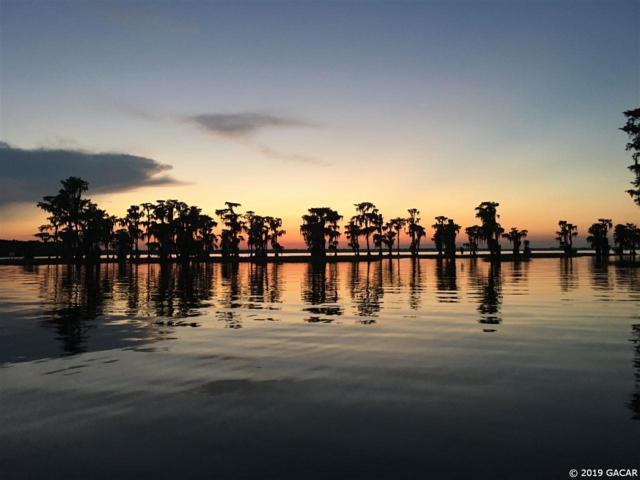 734 Seminole Ridge Road, Melrose, FL 32666 (MLS #423998) :: Bosshardt Realty