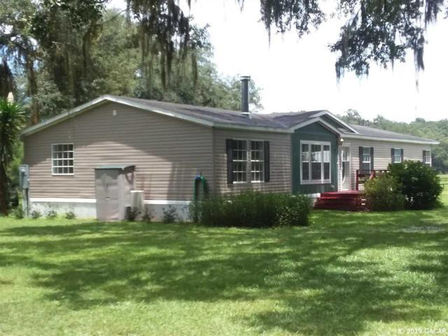 18831 SE 30th Street, Morriston, FL 32668 (MLS #427627) :: Bosshardt Realty