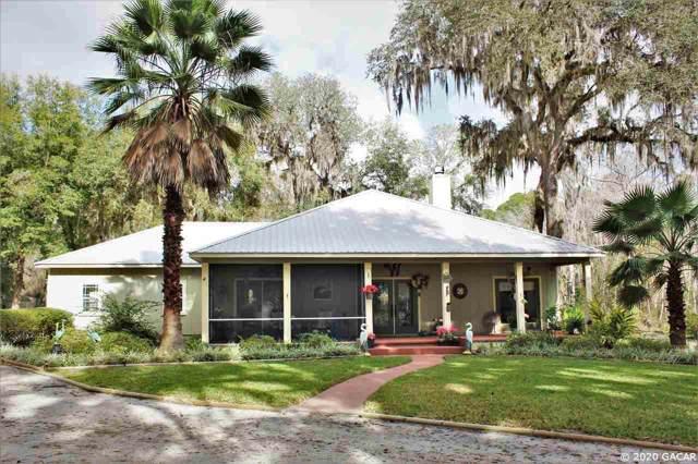 1043 SE County Rd 21B, Melrose, FL 32666 (MLS #431236) :: Bosshardt Realty