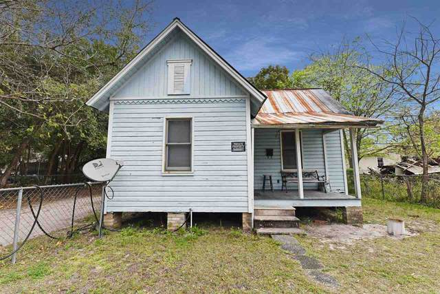 509 NW 7TH Terrace, Gainesville, FL 32601 (MLS #432415) :: Bosshardt Realty