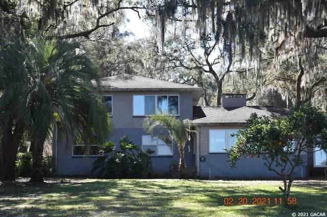 106 E Cowpen Lake Point Road, Hawthorne, FL 32640 (MLS #441791) :: The Curlings Group