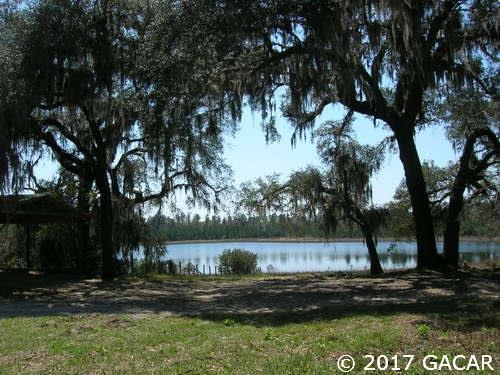 4342 SE 8th Ave, Melrose, FL 32666 (MLS #408123) :: The Curlings Group
