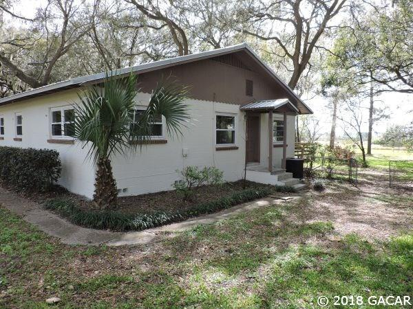 685 SE Lakeview Dr, Keystone Heights, FL 32656 (MLS #413462) :: Pepine Realty