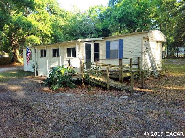 165 SW Alpine Place, High Springs, FL 32643 (MLS #428617) :: Pristine Properties