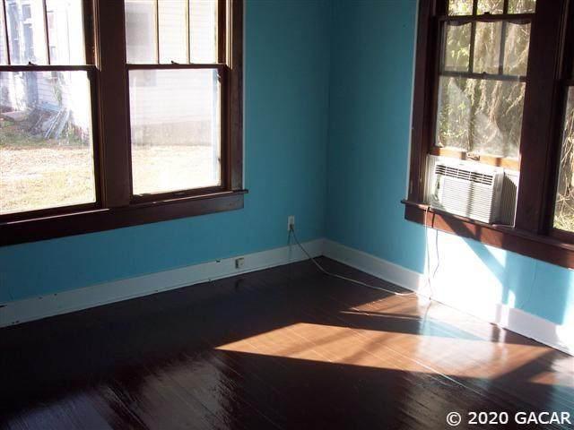 322 15th Terrace - Photo 1