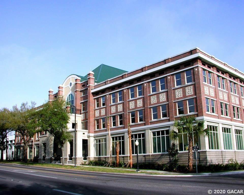 300 University Avenue - Photo 1