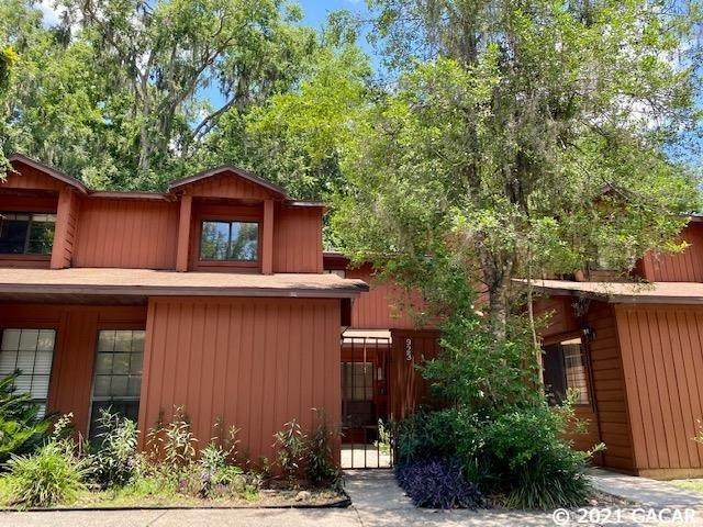 923 SW 55th Terrace, Gainesville, FL 32607 (MLS #445415) :: The Curlings Group