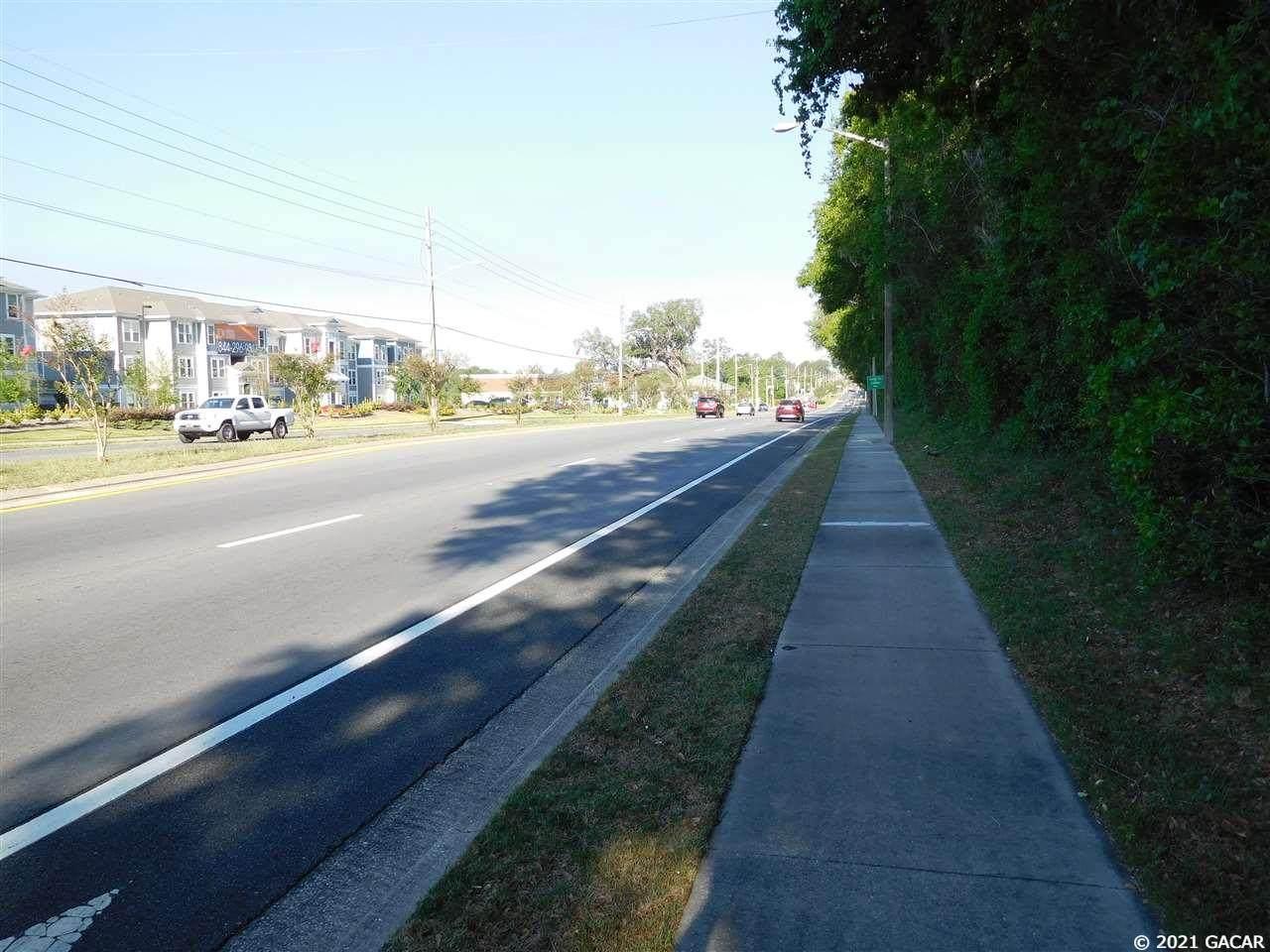 4002 78 Terrace - Photo 1
