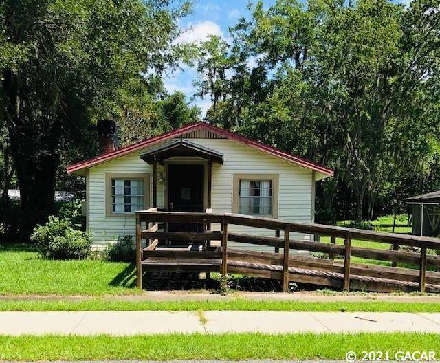 13406 NW 157TH Avenue, Alachua, FL 32615 (MLS #446610) :: The Curlings Group