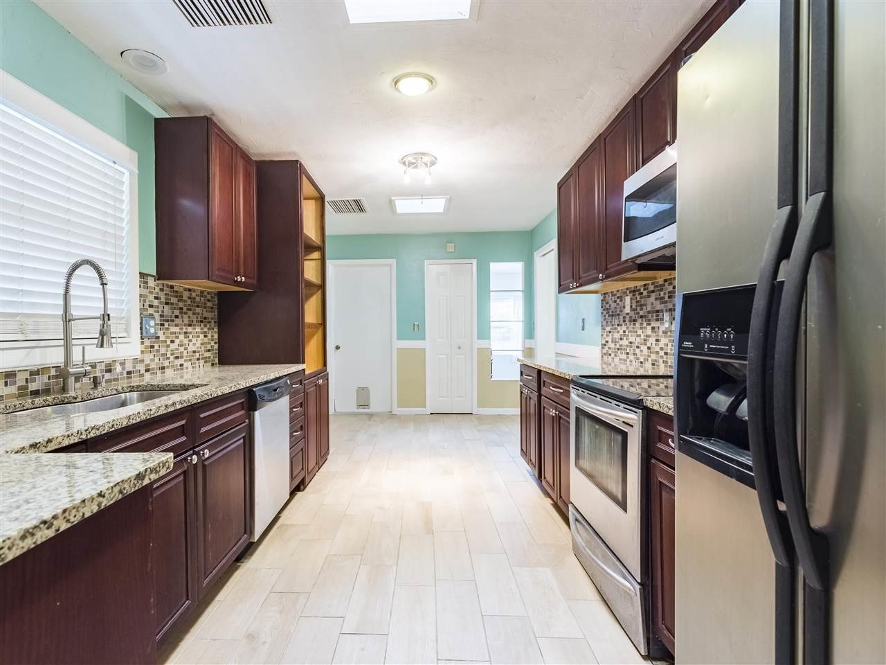3713 NW 107th Terrace, Gainesville, FL 32606 (MLS #402957) :: Thomas Group Realty