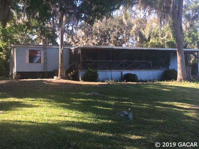 134 Sunnyside Beach Rd, Hawthorne, FL 32640 (MLS #423738) :: Pristine Properties