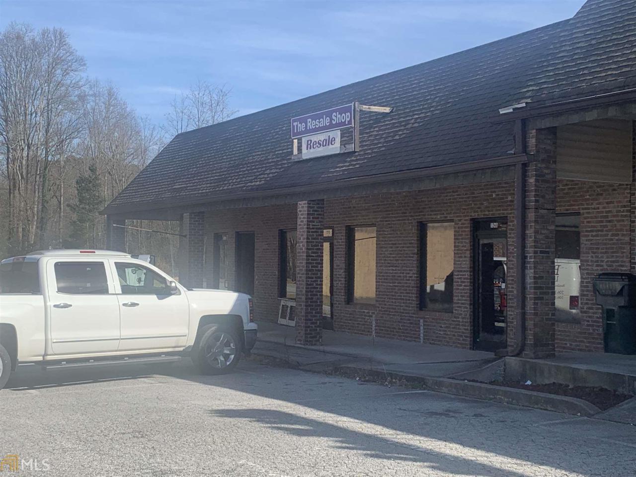124 Clarkesville Plaza - Photo 1