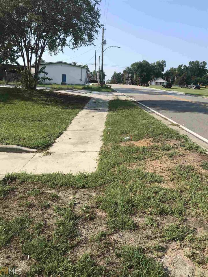 3 Claxton Ave - Photo 1