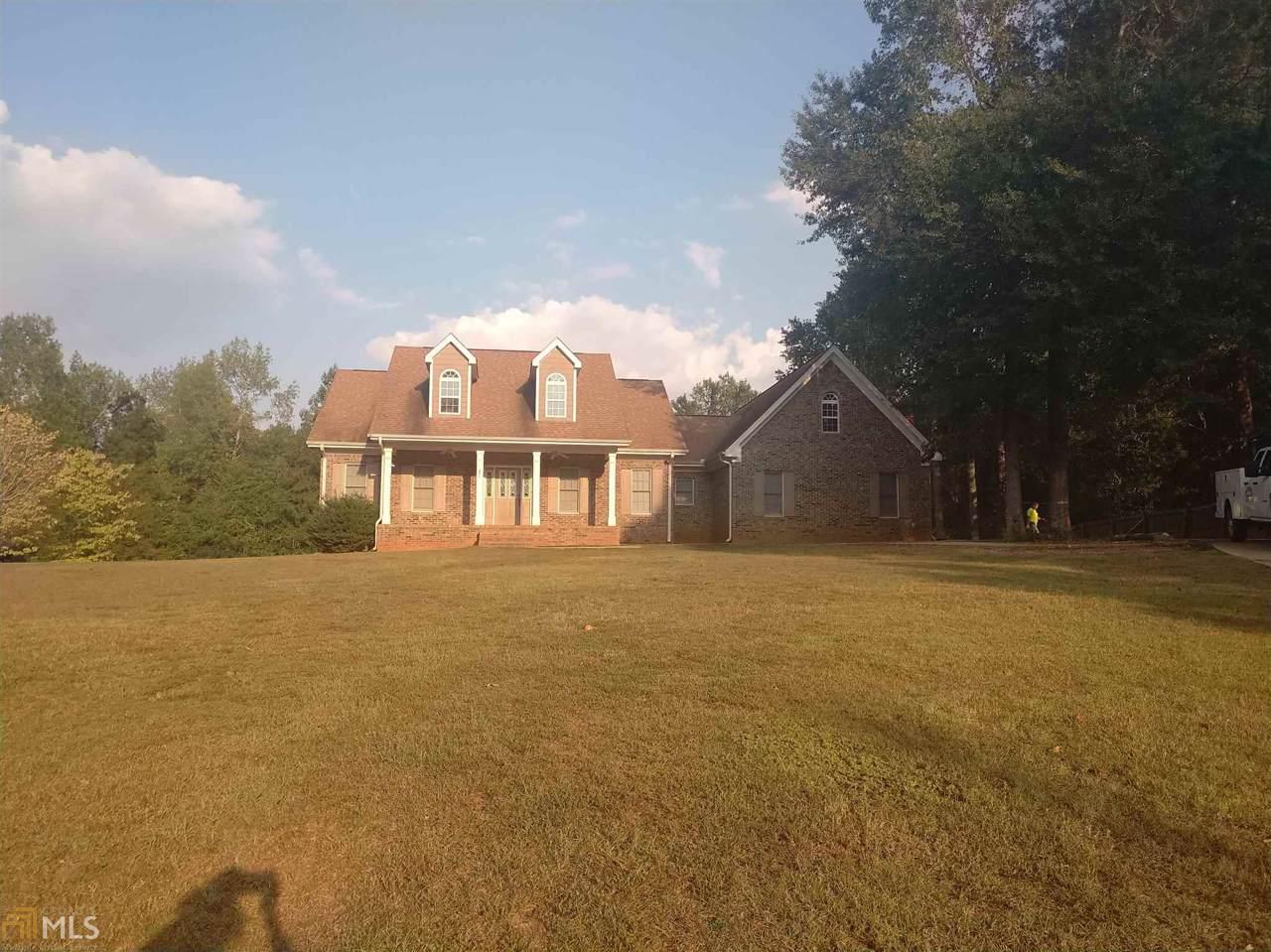 661 Oak Grove Rd - Photo 1