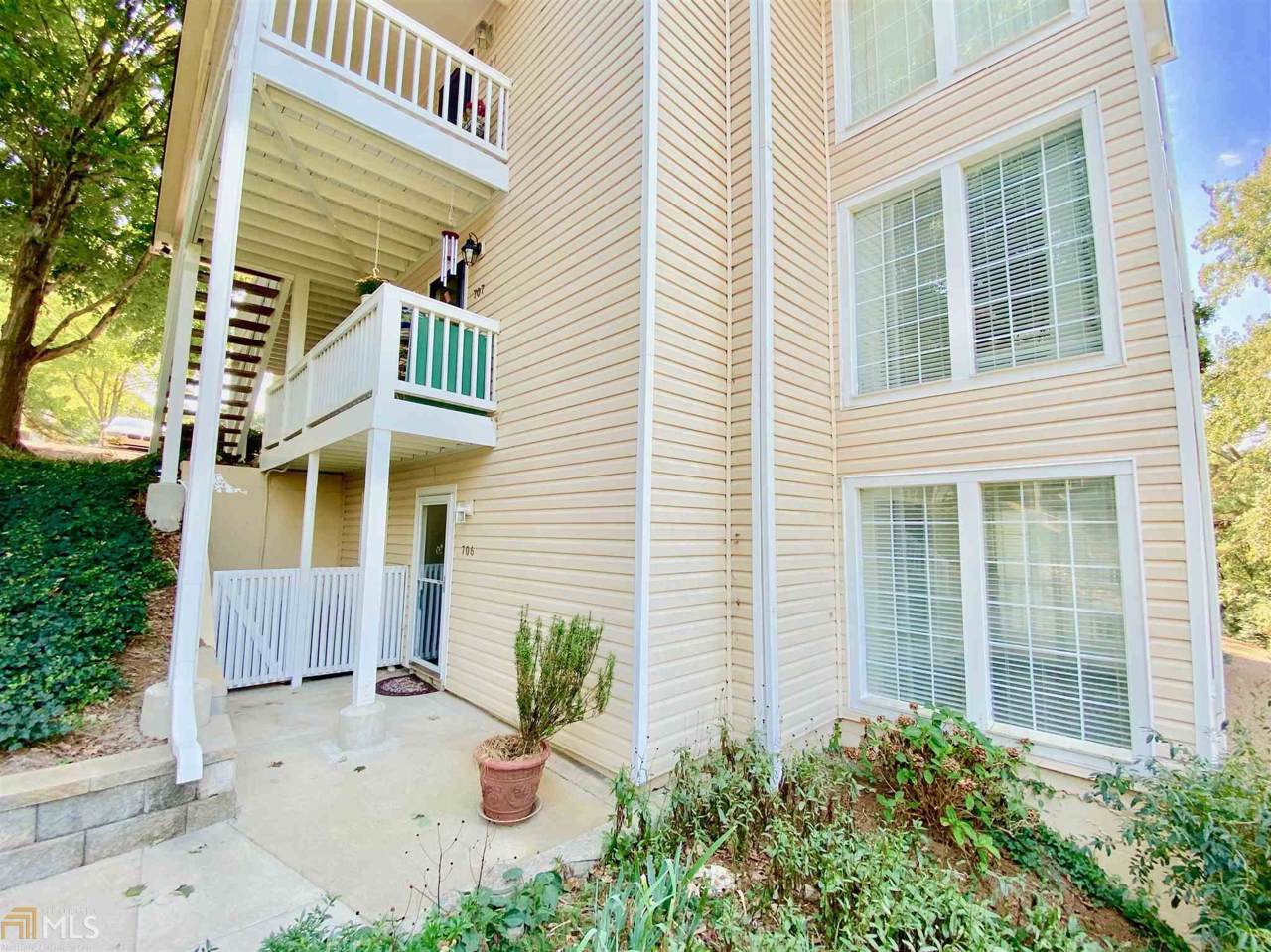 706 Countryside Pl - Photo 1