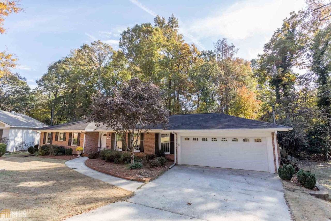 2961 Country Squire Ln - Photo 1