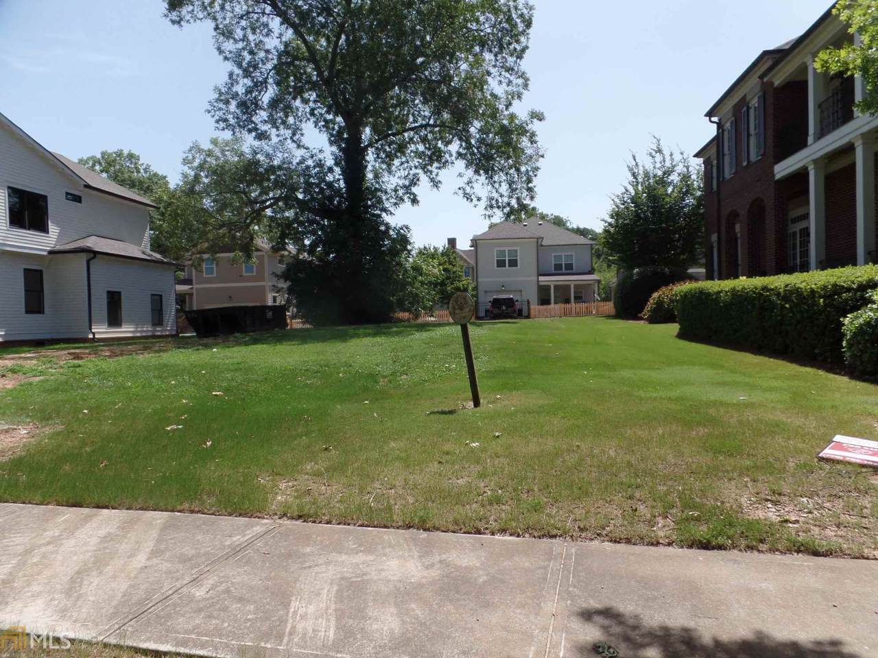 2111 East Haven Dr - Photo 1