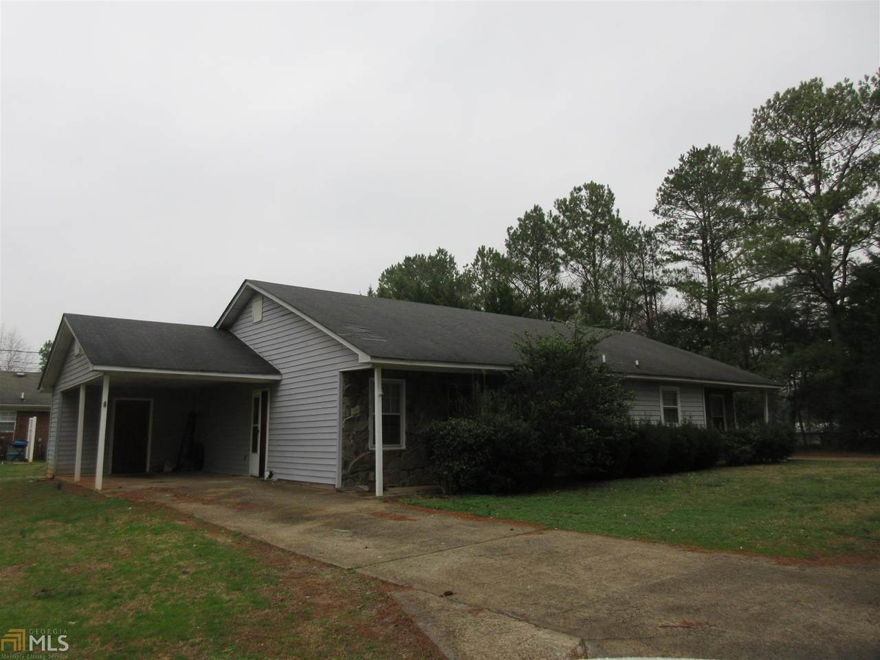502 Valley Dr - Photo 1