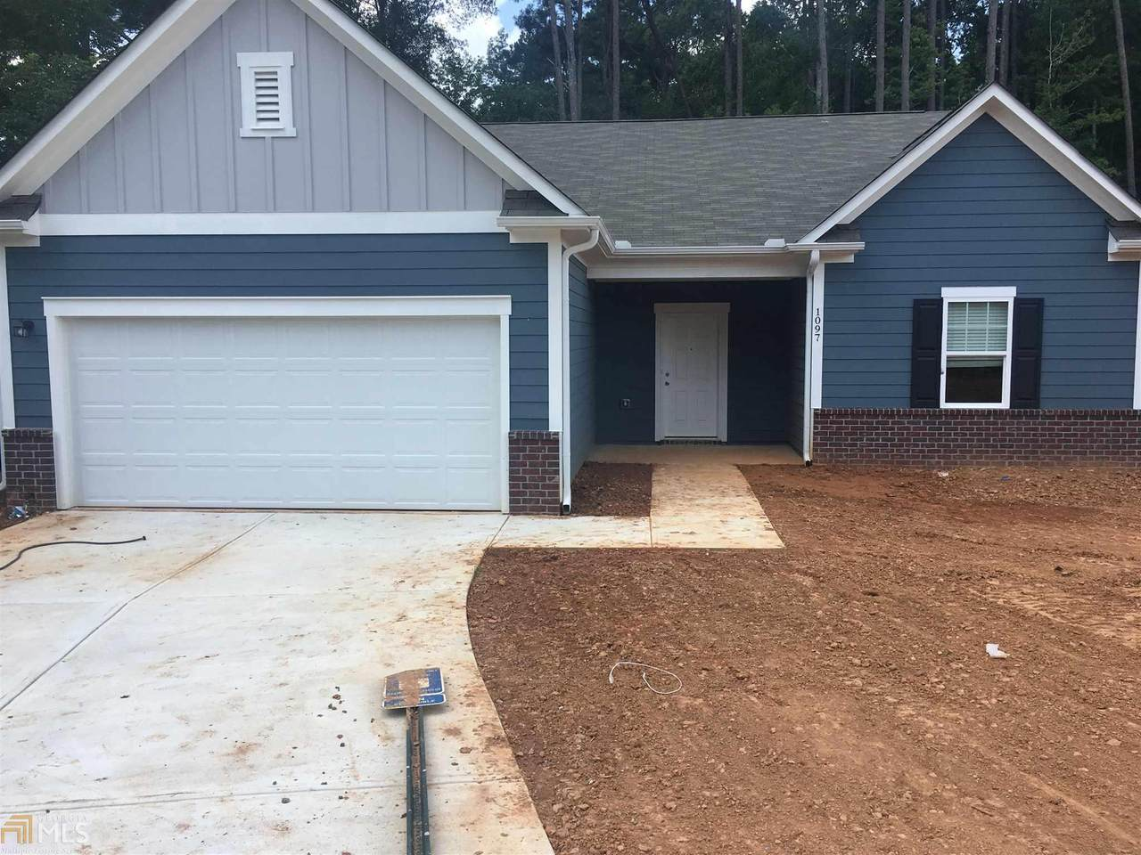 1097 Coldwater Dr - Photo 1