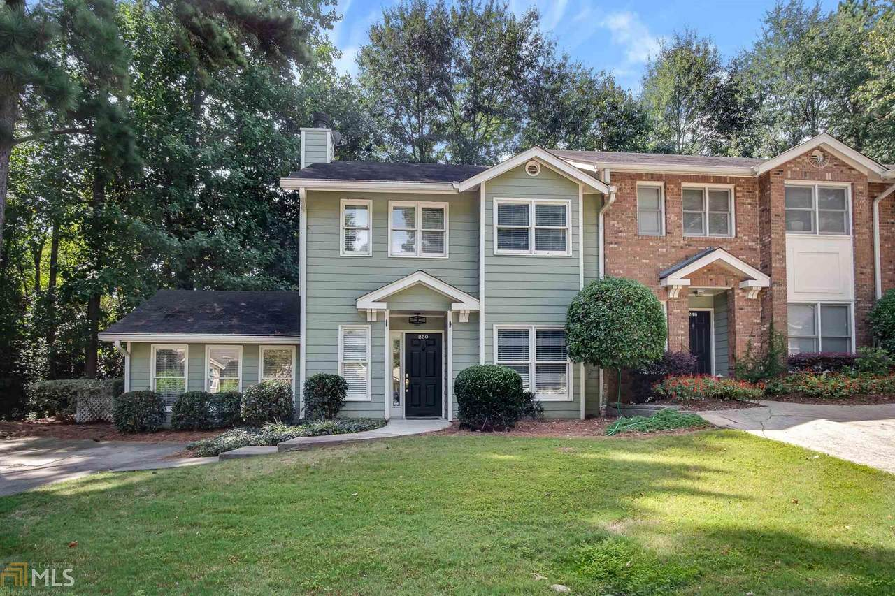 250 Peachtree Hollow Ct - Photo 1