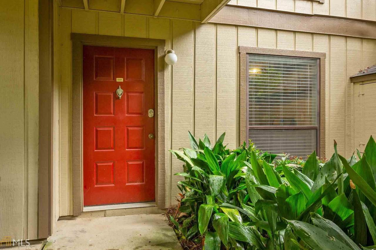 1205 Woodcliff Dr - Photo 1