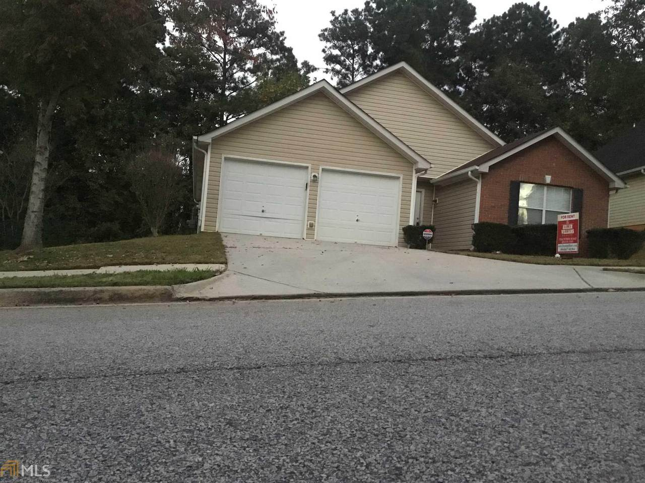 6252 Lake View Ct - Photo 1
