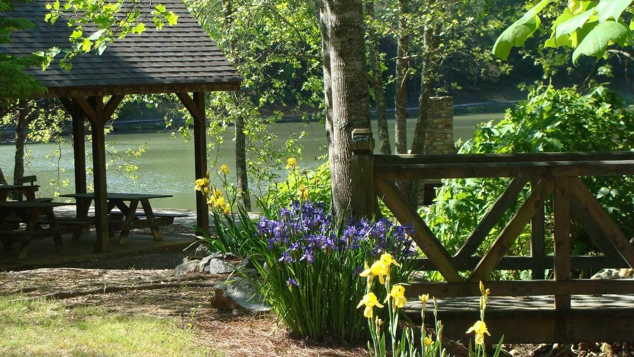 10 Chimney Lake Dr - Photo 1