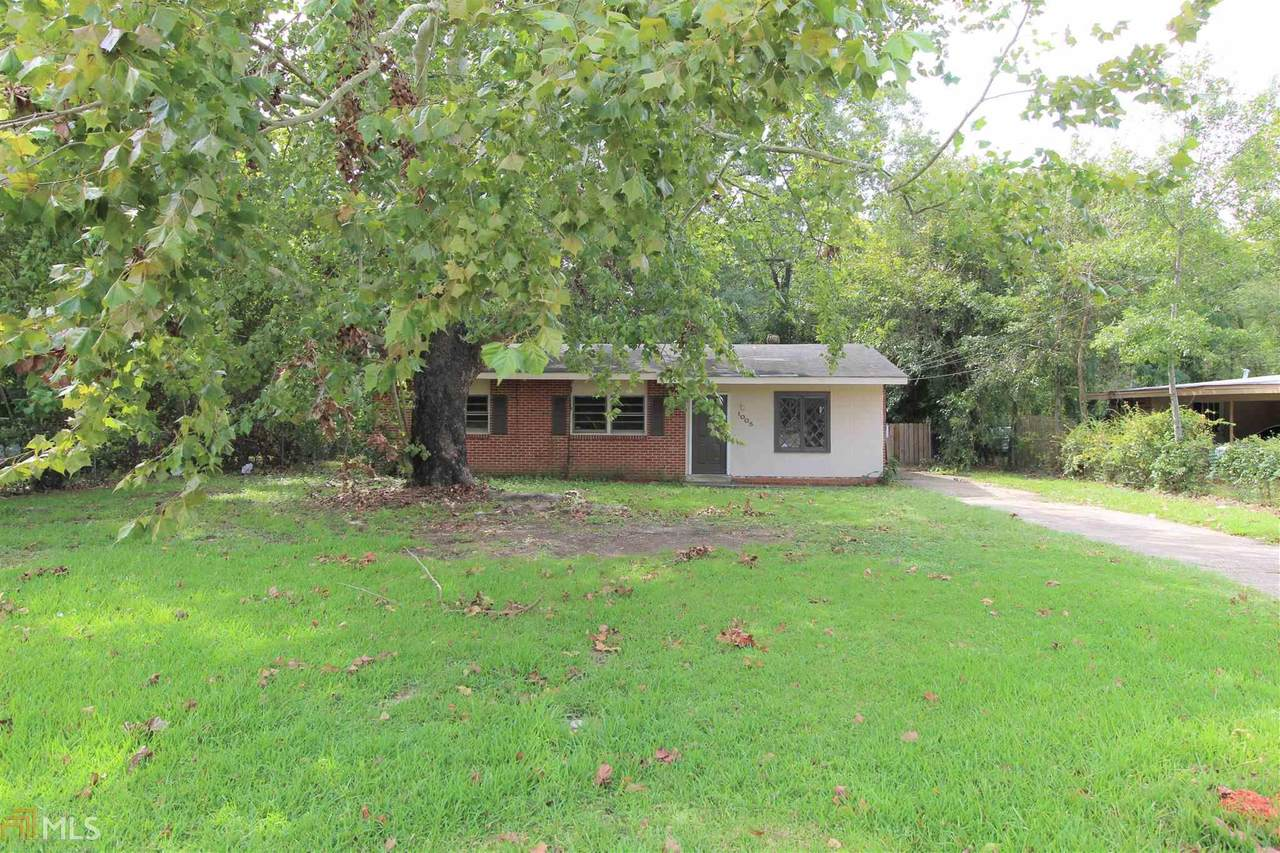 1005 Quincy Dr - Photo 1